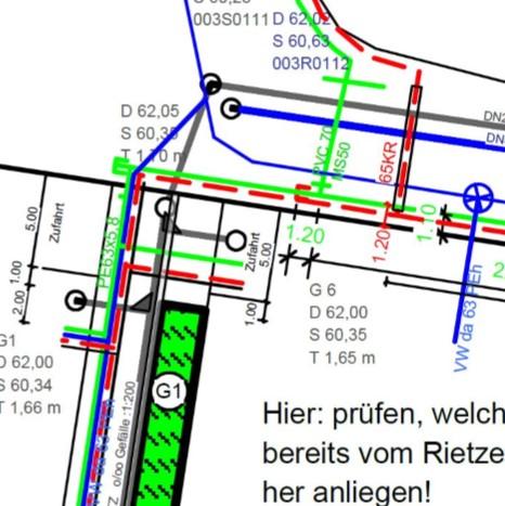 Planzeichnung einer zu bauenden Straße mit Leitungstrassen von Architekt Oliver Schilling