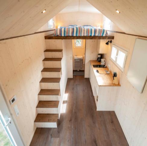 Foto von innen eines Tiny-House, Mobil-Home, Mobilheim, Wohnwagen von Architekt Oliver Schilling.
